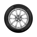 Complete winter wheel in 10-spoke design, brilliant silver, 7.5 J x 17, 225/60 R17 99H, right