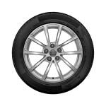 Complete winter wheel in 10-spoke design, brilliant silver, 7.5 J x 17, 225/60 R 17 99H, left