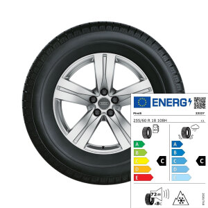 Complete winter wheel in 5-spoke design, brilliant silver, 8 J x 18, 255/60 R18 108H, right