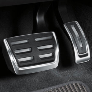 Pedal caps in stainless steel, for vehicles with an automatic gearbox