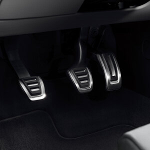 Pedal caps in stainless steel, for vehicles with a manual gearbox