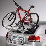 Bicycle carrier for the tailgate