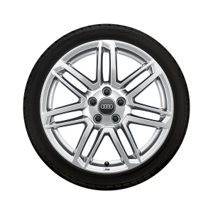 Complete winter wheel in 7-twin-spoke design with RS lettering, galvanic silver, metallic, 8.5 J x 18, 245/40 R18 97V XL, right