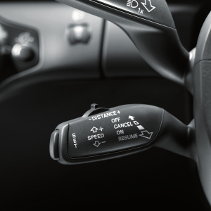 Retrofit solution for the cruise control system, for vehicles without a heated multifunction steering wheel