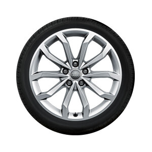 Complete winter wheel in 10-spoke V design, brilliant silver, 8 J x 18, 245/40 R18 97V XL, left