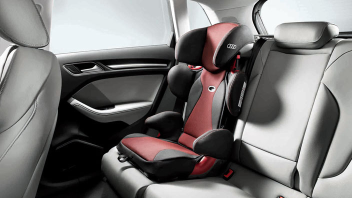 Audi youngster plus child seat, misano red/black