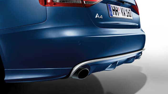Rear diffuser with blade, for vehicles with single tailpipe on the left and right, in an aluminium look
