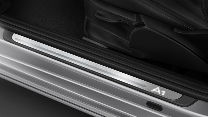 "Door sills, illuminated, with the ""A1"" logo"